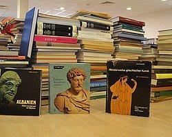 Himmelmann'ın Bağışladığı Arkeoloji Kütüphanesi