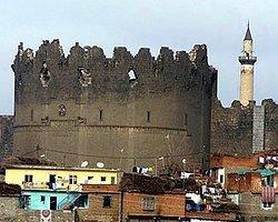 Facebook, Van'dan Sonra Diyarbakır'ın Adını da Değiştirdi