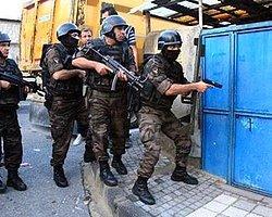 İstanbul'da Bin Polisle Geniş Çaplı Operasyon