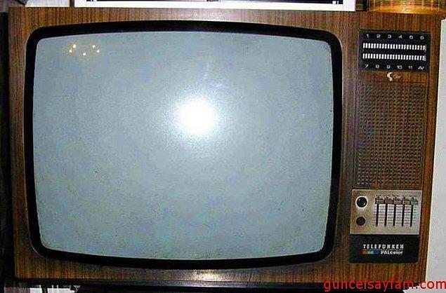 6. Tüplü televizyonun camına elle dokunup cızır cızır ses çıkarttırmak.