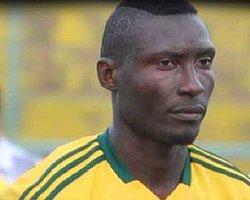 Sahaya Atılan Taş Futbolcuyu Öldürdü