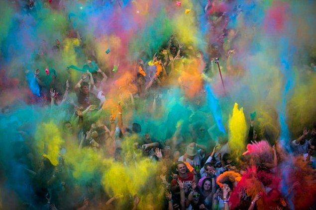 4. Color Party