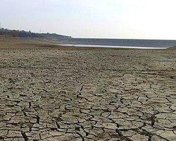 İstanbul'da Afişlerle Su Tasarrufu Uyarısı, Barajlar Kurudu