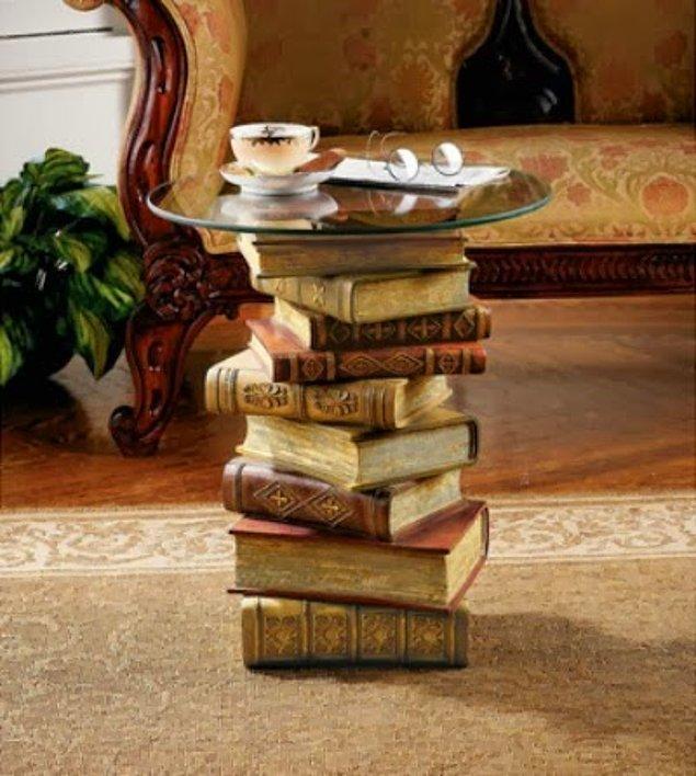 Столик из книг фото