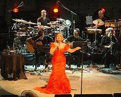 Sezen Aksu'dan Muhteşem Konser