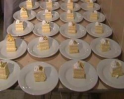 İşadamının Düğününde Altınlı Pasta Dağıtıldı