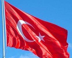 Ağrı'daki Türk Bayrağına Zarar Verenler Tespit Edildi