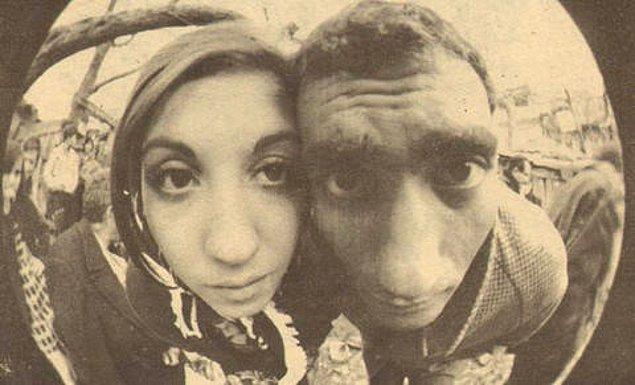"""16. Yılmaz Güney - Nebahat Çehre """"selfie""""si."""