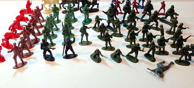 Askerler..