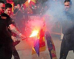 Katalonya'da Bu Sefer Sağcılar Sokağa Çıktı