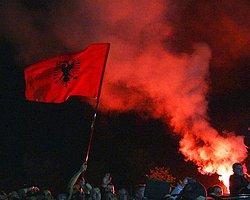 Arnavut Futbolcular Sırbistan Maçı Dönüşü Kahramanı Gibi Karşılandı