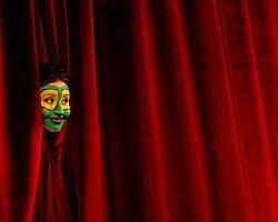 6 Yıldan Eski Tiyatrolara Ödenek Yok