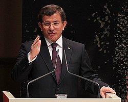 Davutoğlu: 'Türkiye'de Ana Muhalefet Partisi Koltuğu Boş'