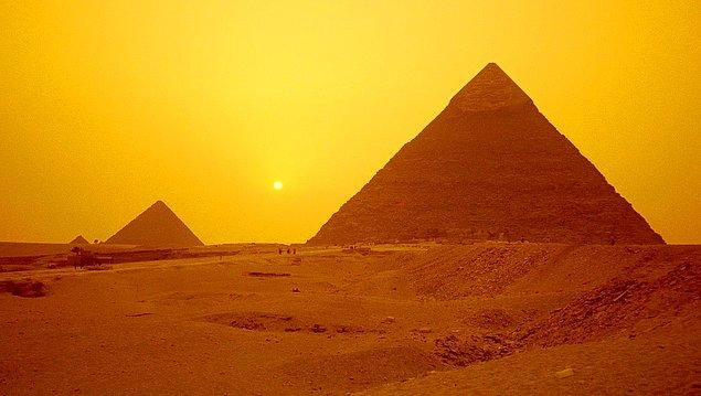 10. Bitkiler Piramit'in içinde daha hızlı büyürler.