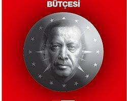 """CHP İstanbul Milletvekili Umut Oran, 12. Cumhurbaşkanı Recep Tayyip Erdoğan'ın Atatürk Orman Çiftliğinde (AOÇ) inşa ettirdiği ve bugün açılışını yapacağı bina için """"İşgal Sarayı"""" ifadesini kullanarak, Erdoğan için yapılan harcamaları ABD, Rusya, Fransa ve İngiltere ile kıyasladı."""