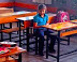 Aileler Çocuklarını Göndermedi, 7 Yaşındaki Engelli Selen Sınıfta Yalnız Kaldı