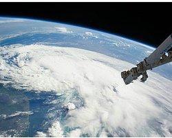 Uzay Çöpleri 'Lazer Işınlarıyla Temizlenecek'