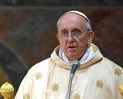 Papa, Askeri Törenle Uğurlandı