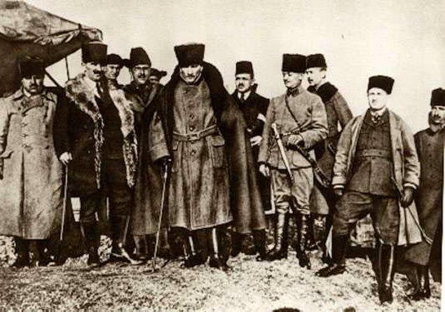 9-) Mustafa Kemal ATATÜRK'ün etkisiyle; Vaziyette birden değişiklik ve ferahlı günler