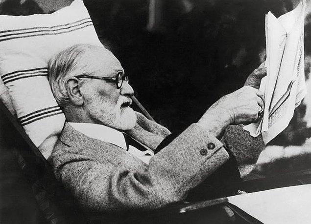 Kadınları anlamak için, bir labirenti düz yola çevirmek gerekir.  Sigmund Freud'un Hayat Hakkında Söylediği 10 Acı Gerçek s 62692906afcb6dbb9611284b192c5451e433c44b