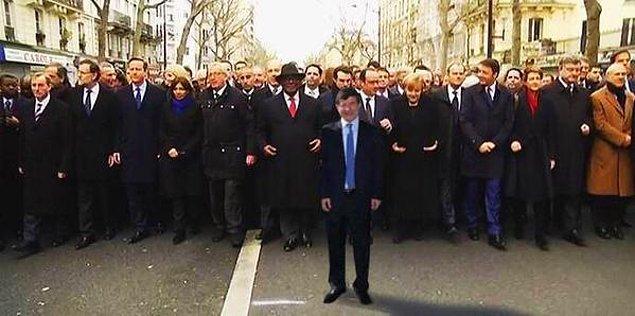 5. Anadolu Ajansı Bugünkü Paris Yürüyüşünün Fotoğrafını Yayınlamış!
