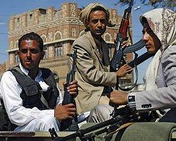 Yemen'de Şii İsyancılar Başkanlık Sarayı'nı Ele Geçirdi