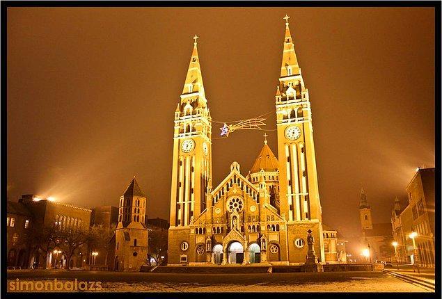 Szeged Kasabası Katedrali