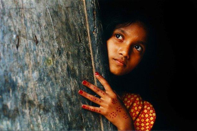 3. Kız Çocuğu Sahibi Olmak Kimileri İçin Bir Dert, Bir Kahırdır. Bu Sebeple Kız Çocukları Evlendirilir.