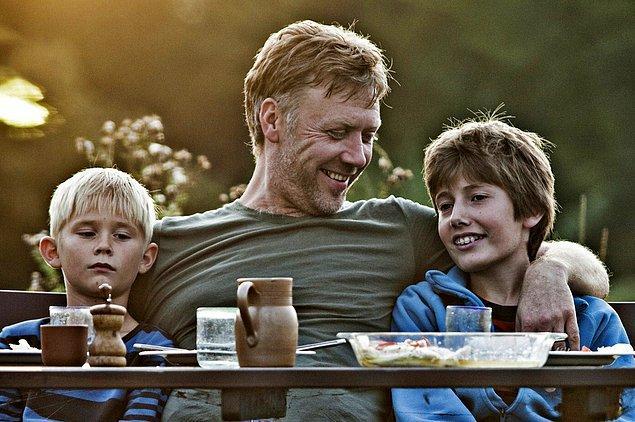 5. Daha İyi Bir Dünyada (2010)  | IMDb 7.7