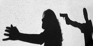 Antalya'da Bir Kadın 'Kapıda Polis Beklerken' Öldürüldü