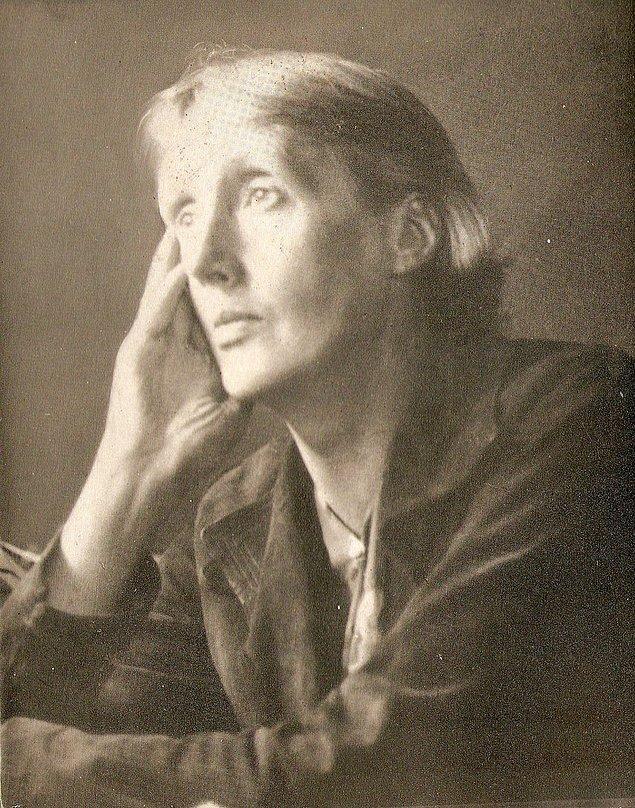7. Woolf, mutlak tatmine ve mutluluğa ulaşmak için zihindeki iki cinsiyetin birleşmesi gerektiğini sorgular: