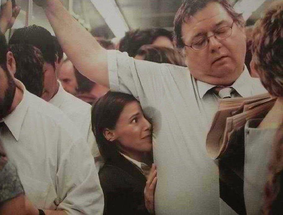 Русскую в общественном транспорте 1 фотография