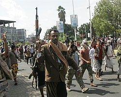 Husiler Taiz Havaalanını Aldı