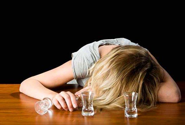 BONUS 2: O da olmuyorsa, 3-4 saat sonra hala aynı durumdaysanız, dün gece her ne içtiyseniz aynısından içmeye devam etmekten başka bir çareniz kalmıyor maalesef.