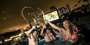 Sıcak Su Dolu Havuzların Konforunda Film Keyfi Sunan Sinema Salonundan Kıskandıran 18 Fotoğraf
