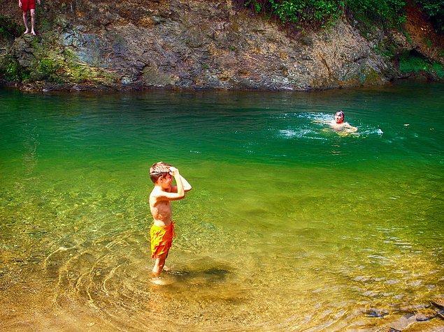 9. Yalnızca denizde değil, tertemiz sulara sahip derelerde de yüzebilme imkanı.