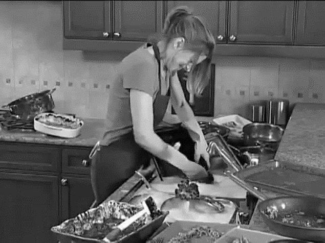 Mutfak aletlerinden birini yenilemeniz de sadece daha fazla yemek istediğiniz izlenimi verebilir.