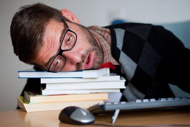 17. Sürekli uykusu olan tip.