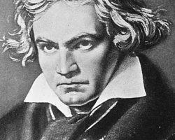 Mozart'ın her zaman eğlenceli bir imajı olmuştur. Beethoven ise bol tripli bir ihtiyar olarak bilinir.