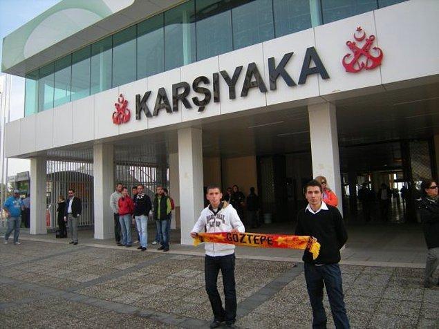 15. Karşıyaka'da atkı forma vb. ile fotoğraf çektirmek