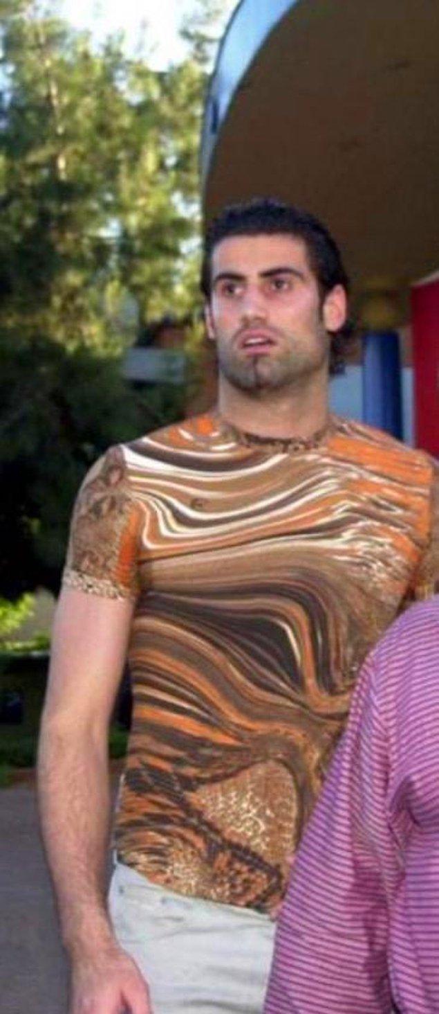 6. T-shirt yakıyor Volkan Kardeş