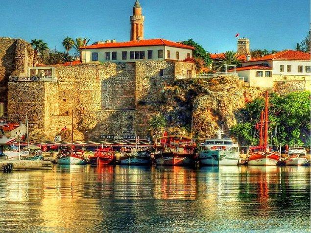 Sen Antalya'da Yaşıyorsun!