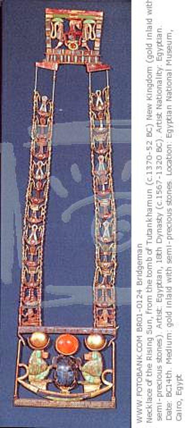 17. Tutankhaton'un kolyesindeki taşların Dünya dışından kaynaklanan bir patlamayla yeryüzünde oluşmuş bir cam olduğu düşünülüyor.