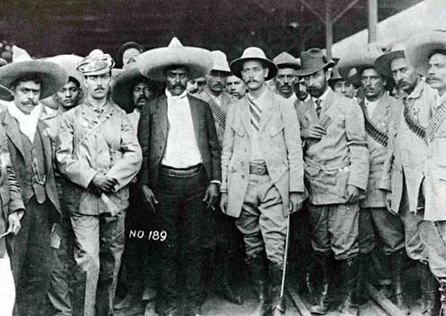 10. Emiliano Zapata, kesinlikle entelektüel bir politikacı değildi. O'nun varoluşunun bu kadar güçlü olması , güçlü bir halkın, lidere ihtiyacı olmayan bir halkın ferdi olmasından geliyordu.