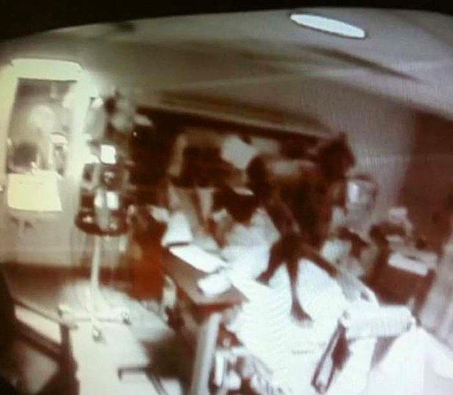 9. Bir hastane kamerasının bir hastanın üzerinde yakaladığı karanlık bir ruh, hasta birkaç saat sonra ölmüş.
