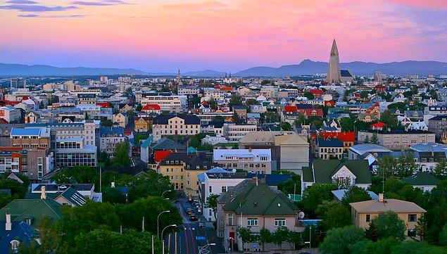 2- İzlanda