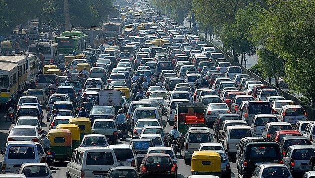 4. Şu an dünya üzerinde 500 milyon araç bulunmaktadır, bu sayının 2030 yılında bir milyar olacağı dolayısıyla araçlardan kaynaklı çevre kirliliğinin iki katına çıkacağı tahmin edilmektedir.