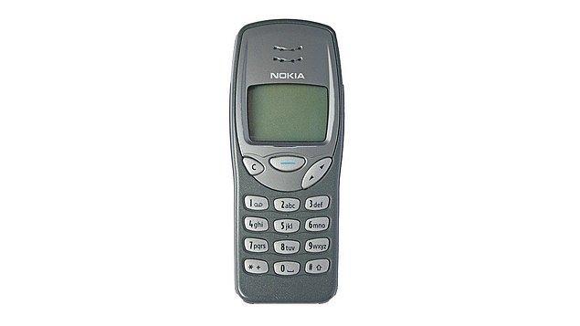4. Nokia 3210
