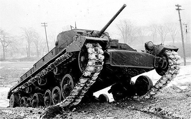 4. II. Dünya Savaşına katılan çoğu İngiliz tankında çay demlemek için gerekli tüm ekipmanlar mevcuttu.