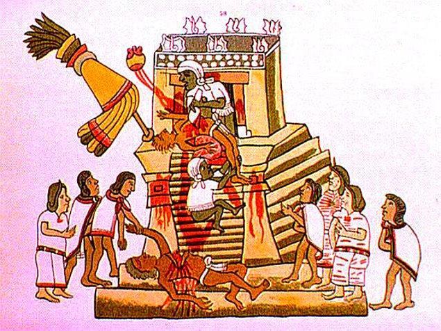 17. 1487 yılında Aztek tapınağındaki ayinlerde 20 binin üzerinde insan kurban edilmiştir.